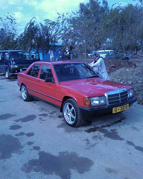 Mercedes Benz E Class - 1984 merc Image-1