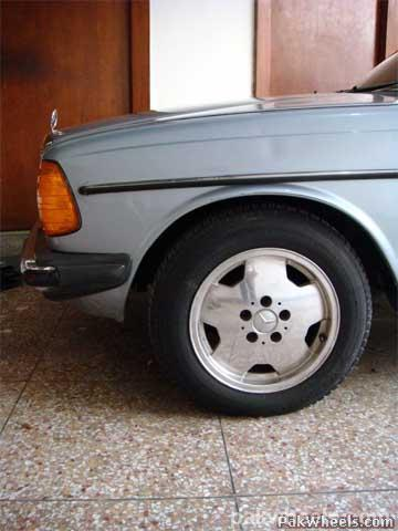 Mercedes Benz E Class - 1982 Emran Xahyd Image-17