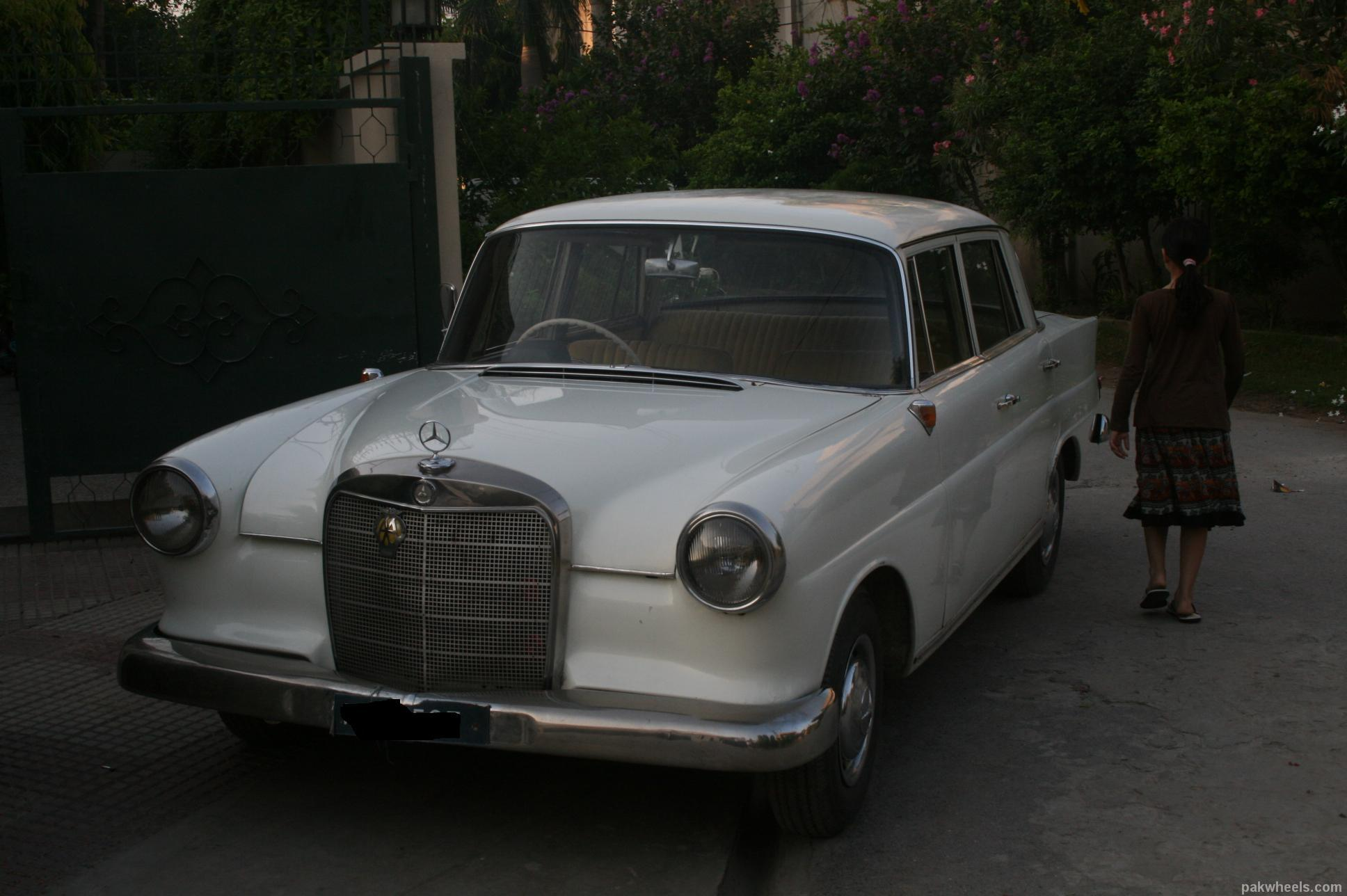 Mercedes benz s class 1960 of oomark member ride 10672 for Mercedes benz membership