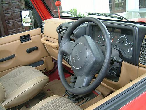 Jeep Wrangler - 2000 Wrangler Image-2