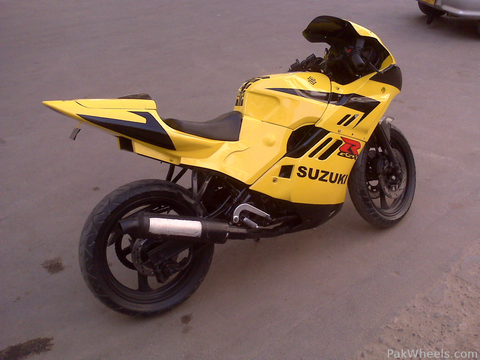 used suzuki gsxr 250cc 1997 bike for sale in karachi 87260 pakwheels. Black Bedroom Furniture Sets. Home Design Ideas