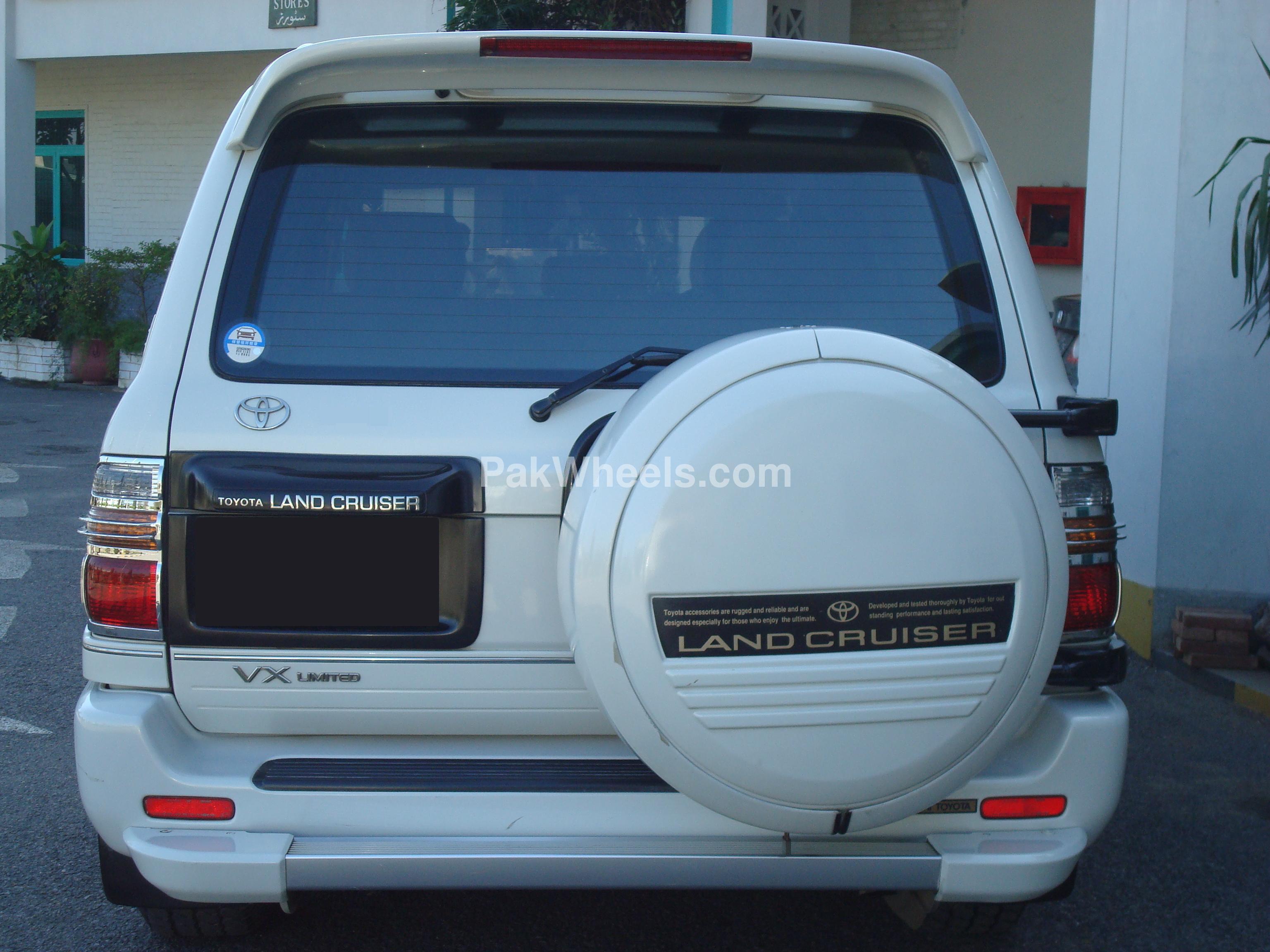 Toyota Land Cruiser 2002 Image-1