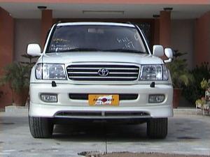 ٹویوٹا لینڈ کروزر - 2002