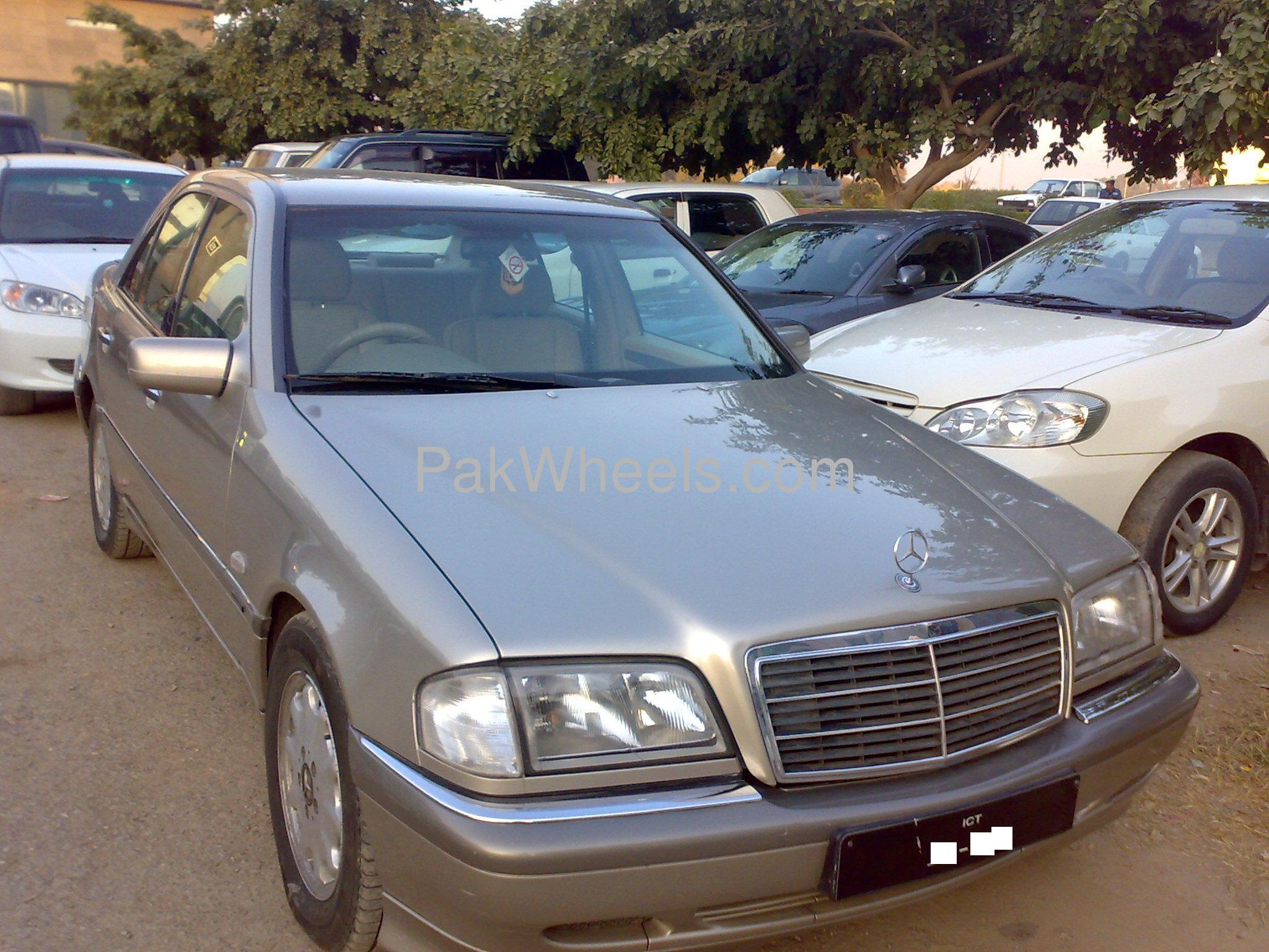 Used mercedes benz c class c180 cgi 1997 car for sale in for Used mercedes benz rims for sale
