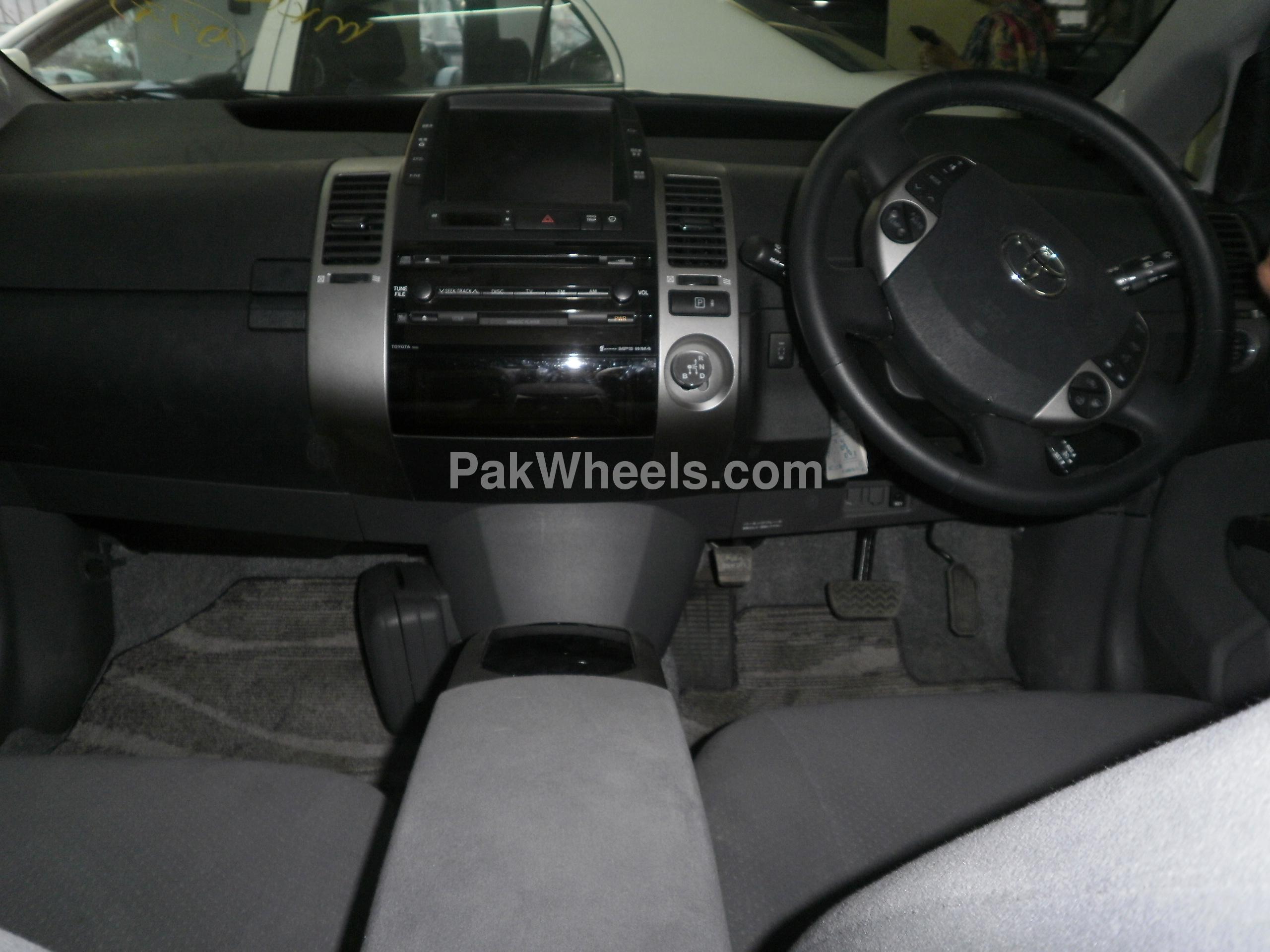 Toyota Prius 2008 Image-3