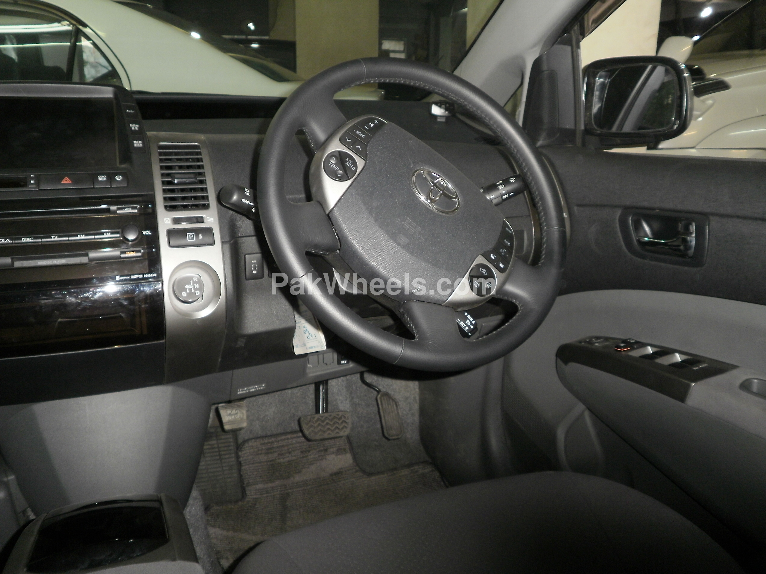 Toyota Prius 2008 Image-4