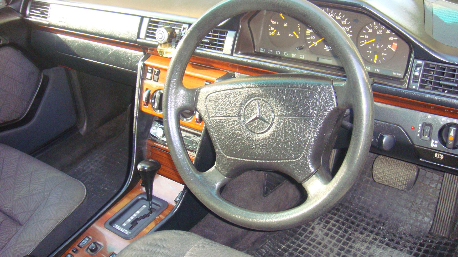 Used Car Parts Online >> Mercedes Benz E Class 1994 of malik1983 - Member Ride 15453 | PakWheels