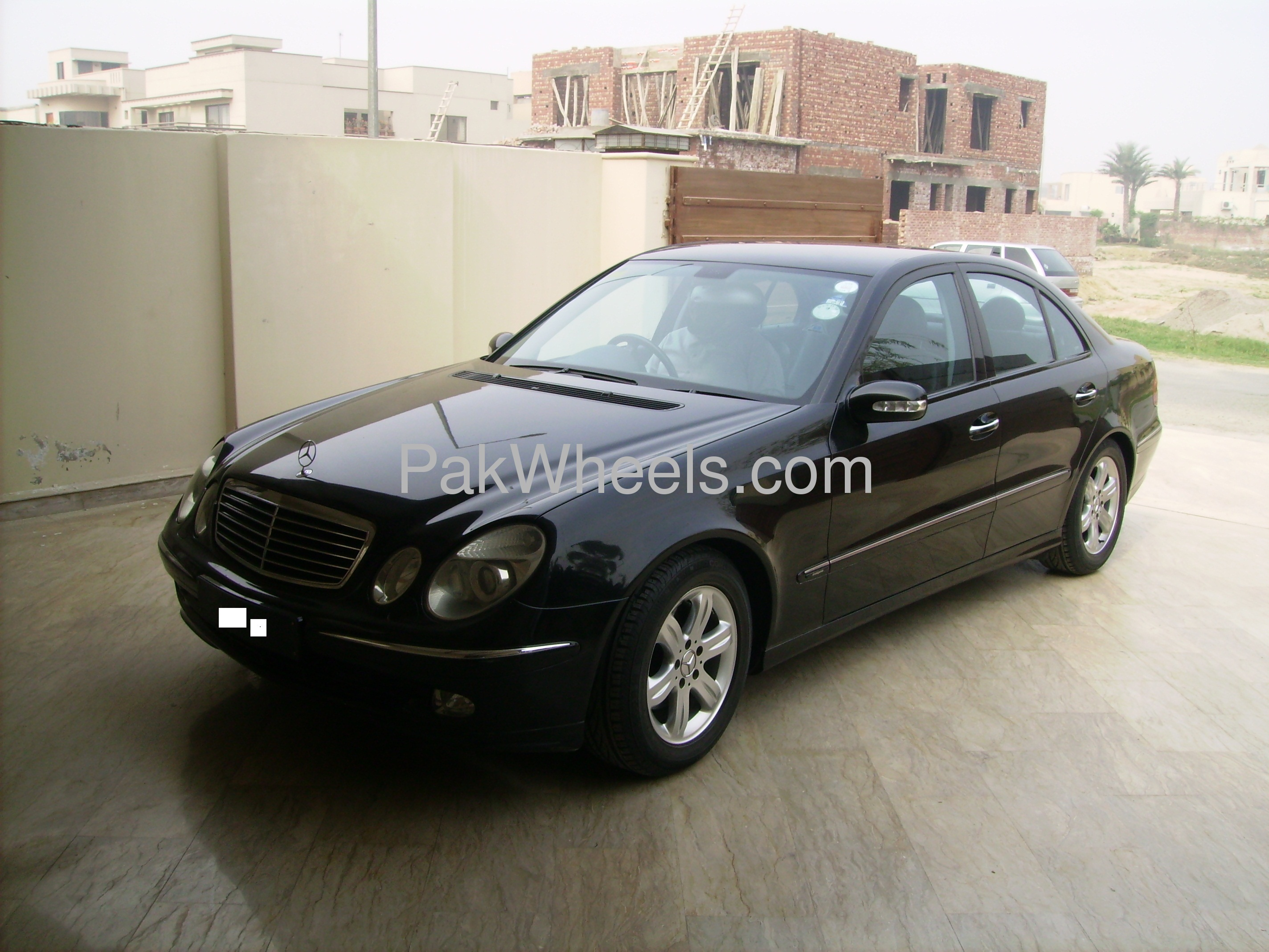 Used mercedes benz e class e200 2002 car for sale in for Mercedes benz 2002 e class