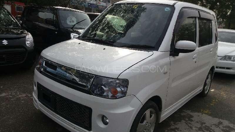 Mitsubishi Toppo 2012 Image-2