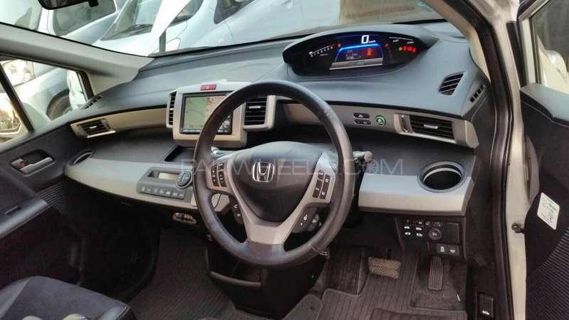 Honda Freed Hybrid 2012 Image-8