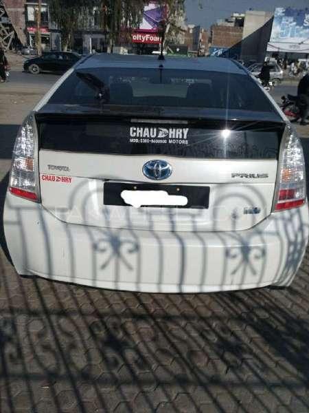 Toyota Prius G Touring Selection 1.8 2010 Image-4