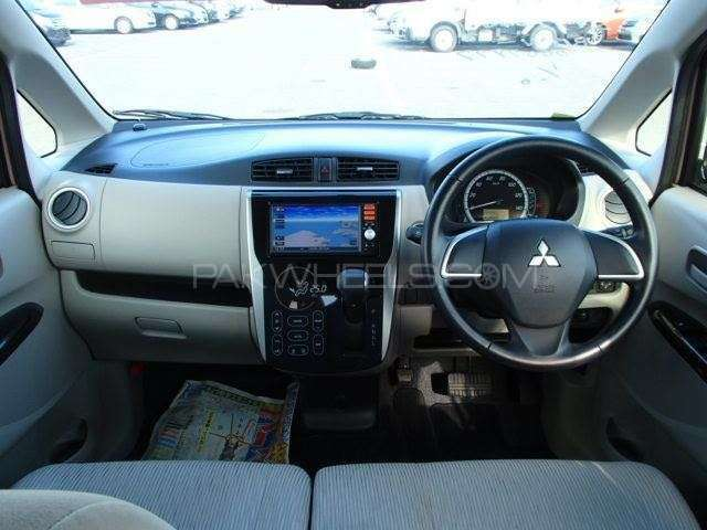 Mitsubishi Ek Wagon G 2013 Image-7