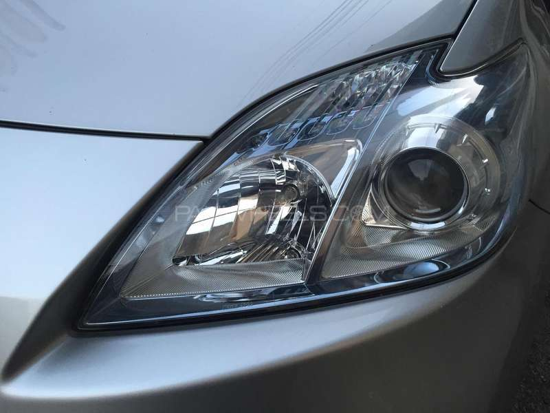 Toyota Prius S 1.8 2011 Image-4