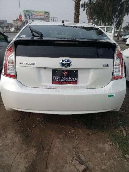 Toyota Prius S 1.8 2013 Image-4