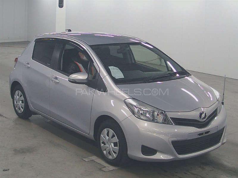 Toyota Vitz F Intelligent Package 1.0 2013 Image-1