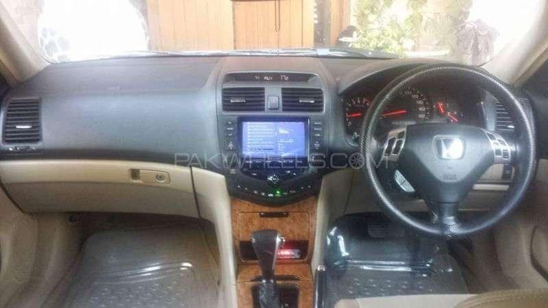 Honda Accord CL9 2002 Image-6