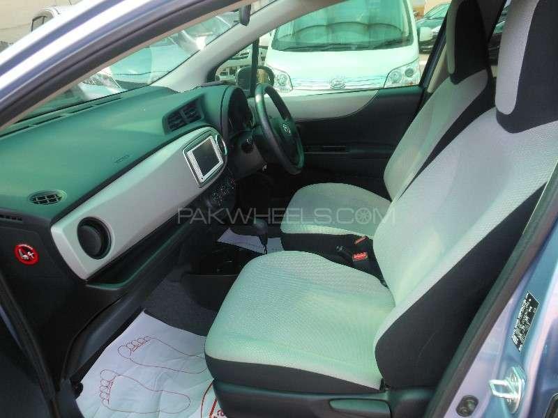 Toyota Vitz F 1.0 2013 Image-10