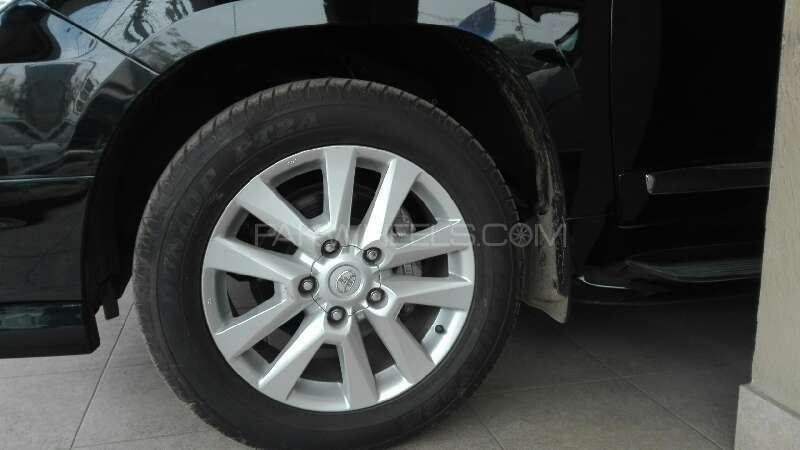 Toyota Land Cruiser ZX 2012 Image-6