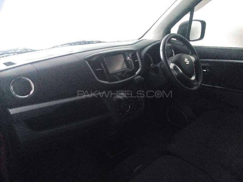 Suzuki Wagon R FX Idling Stop 2013 Image-4