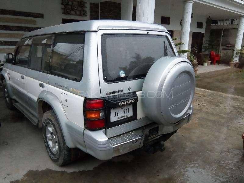 Mitsubishi Pajero Exceed Automatic 2.8D 1994 Image-3