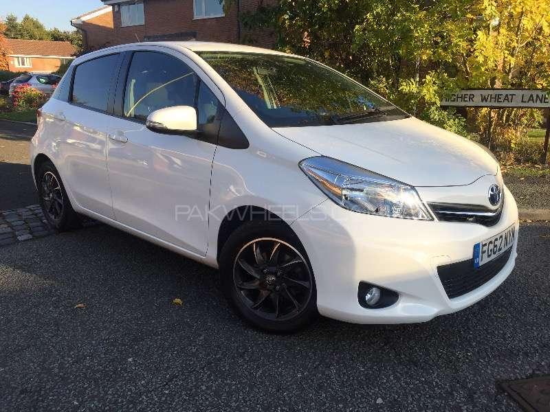 Toyota Yaris 2012 Image-1