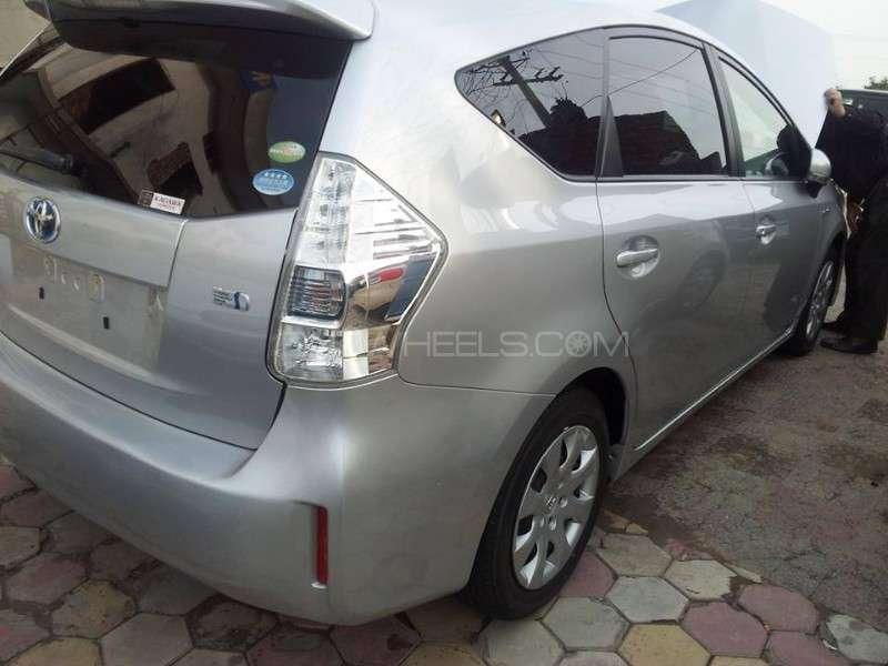 Toyota Prius S Touring Selection 1.8 2012 Image-5
