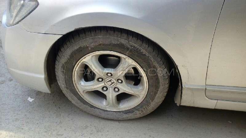 Honda Civic VTi Oriel Prosmatec 1.8 i-VTEC 2010 Image-8