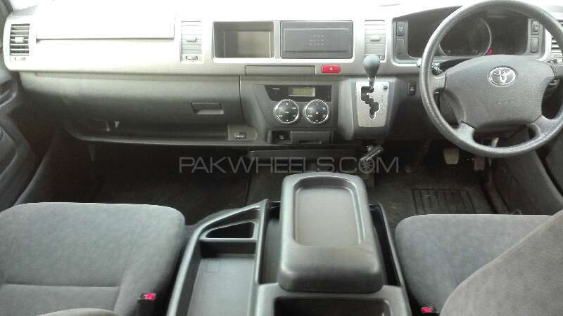 Toyota Hiace 2012 Image-5