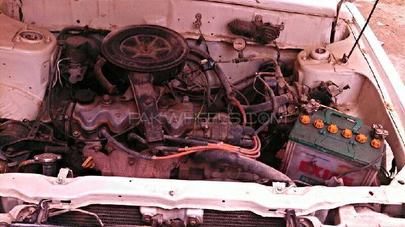 Nissan Sunny LX 1986 Image-5