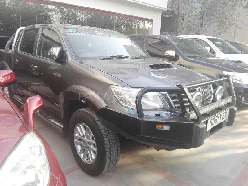 Toyota Hilux Vigo G 2011 Image-3