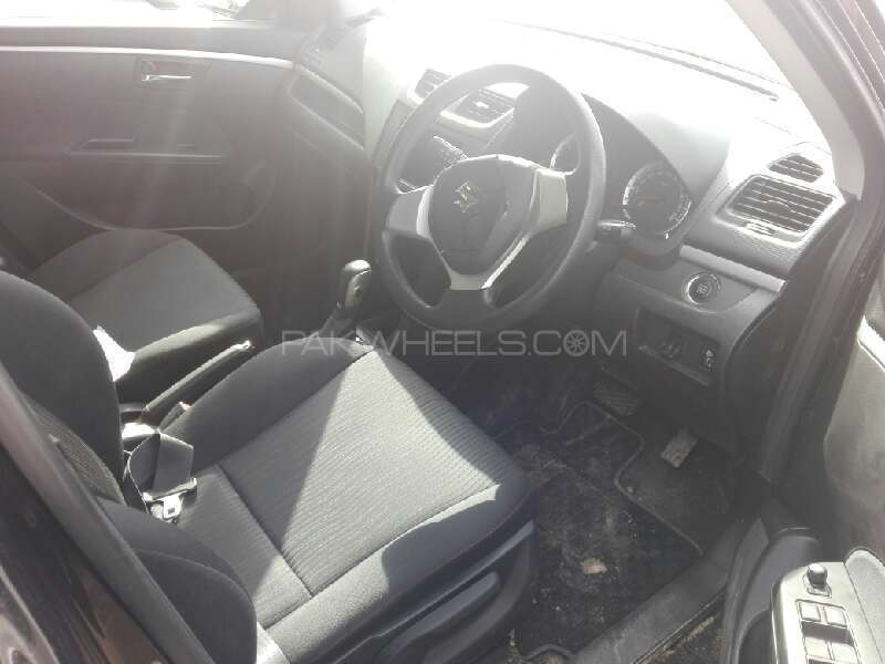 Suzuki Swift DLX Automatic 1.3 2013 Image-4