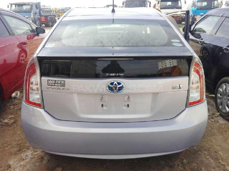 Toyota Prius G 1.8 2013 Image-7