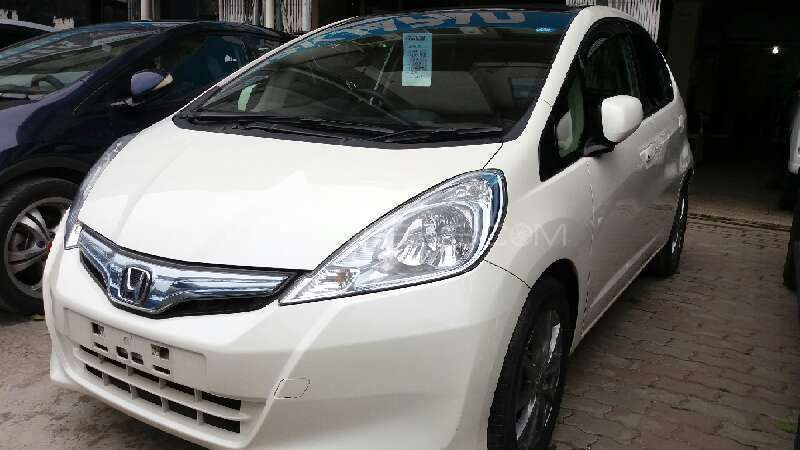 Honda Fit Hybrid 2012 Image-2
