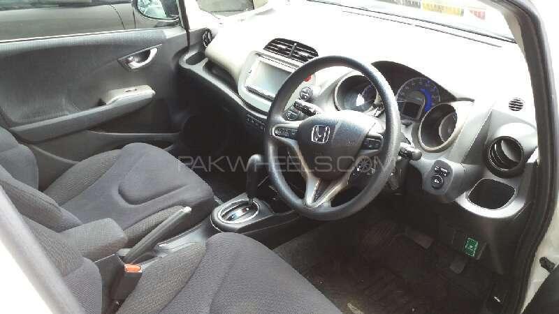 Honda Fit Hybrid 2012 Image-7