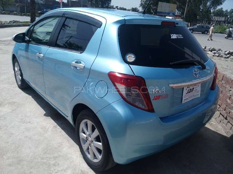 Toyota Vitz Jewela 1.0 2012 Image-5
