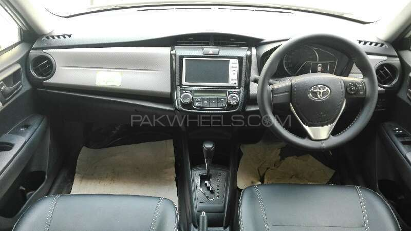 Toyota Corolla Axio X 1.3 2012 Image-4