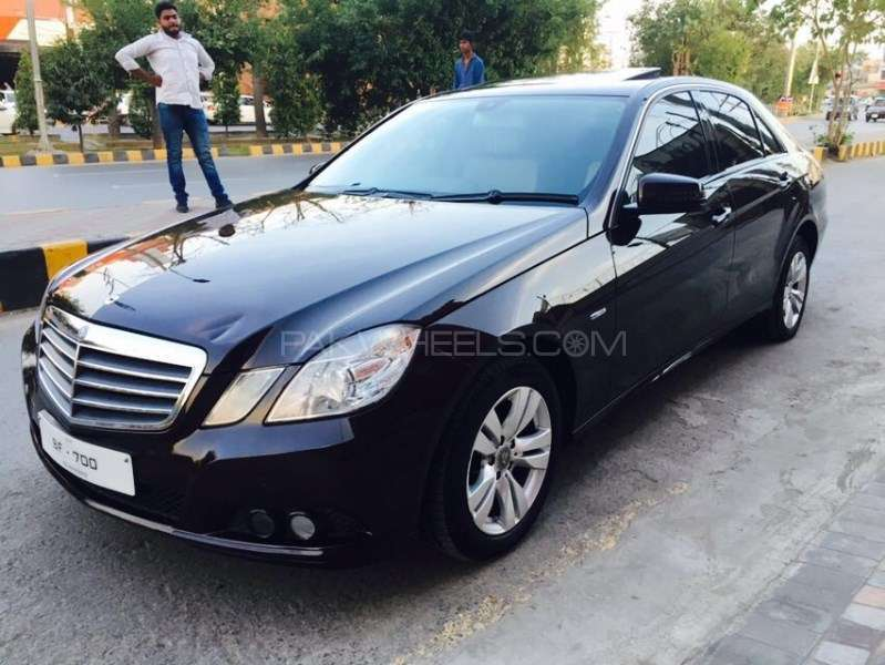 mercedes benz e class e220 cdi 2009 for sale in lahore pakwheels. Black Bedroom Furniture Sets. Home Design Ideas