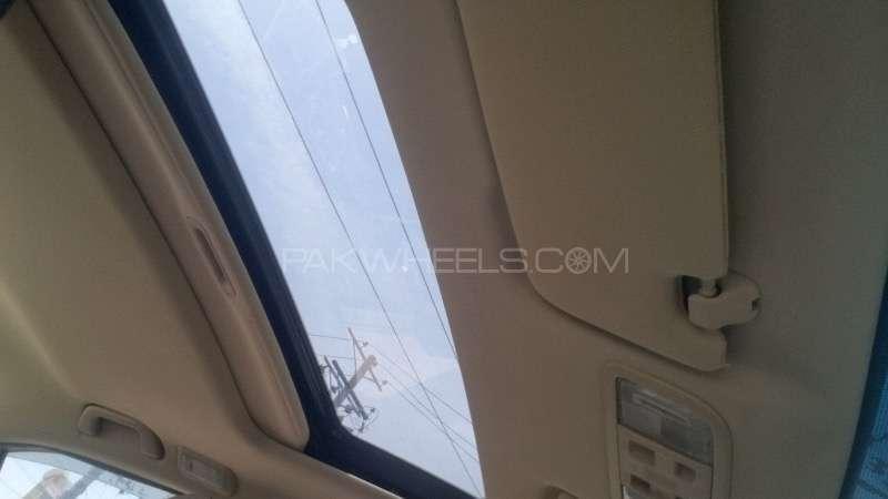Honda Civic VTi Oriel 1.8 i-VTEC 2012 Image-3