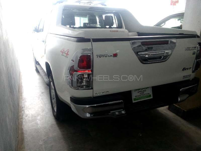 Toyota Hilux Revo G 2.8 2015 Image-3