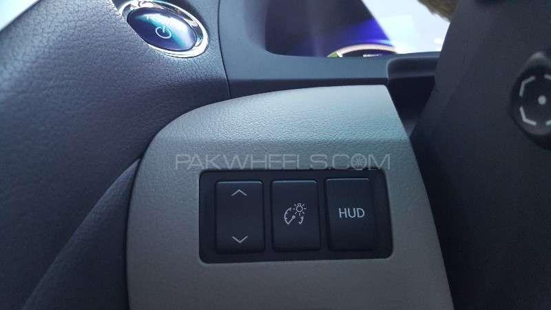 Lexus RX Series 450H 2011 Image-15