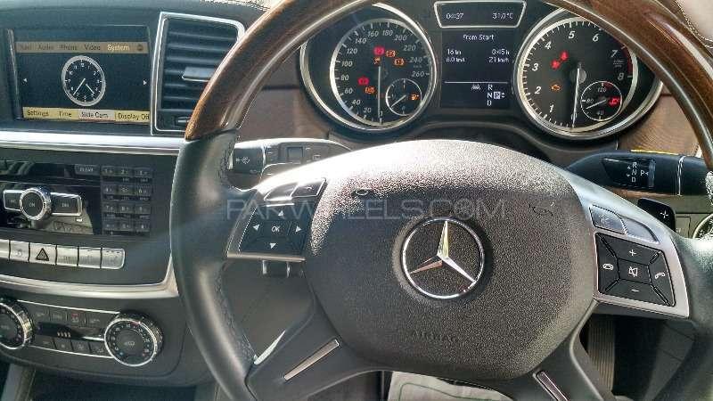 Mercedes Benz M Class ML 350 4MATIC 2012 Image-6