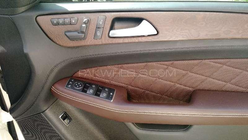Mercedes Benz M Class ML 350 4MATIC 2012 Image-9