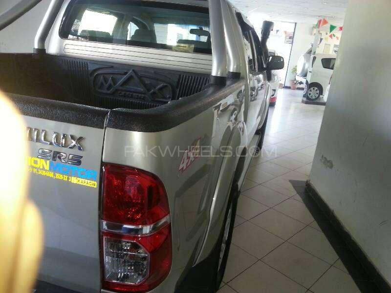 Toyota Hilux Vigo G 2012 Image-6
