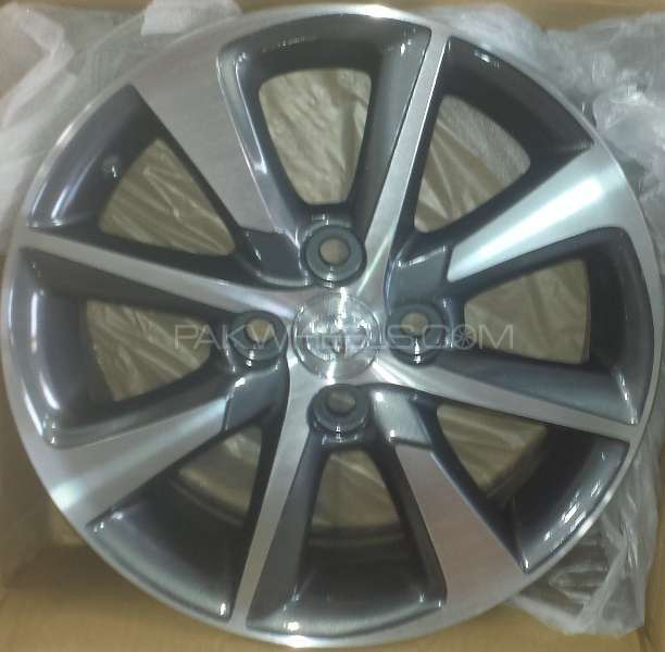 ALLOY WHEEL FOR TOYOTA AQUA / VITZ / AXIO / COROLLA Image-1