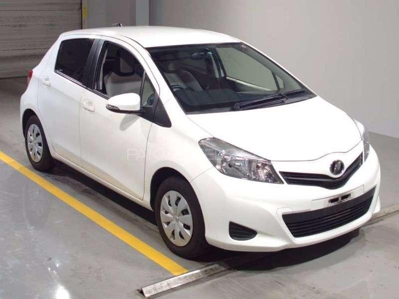 Toyota Vitz F Limited 1.0 2013 Image-9