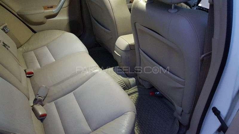 Honda Accord CL9 2004 Image-8