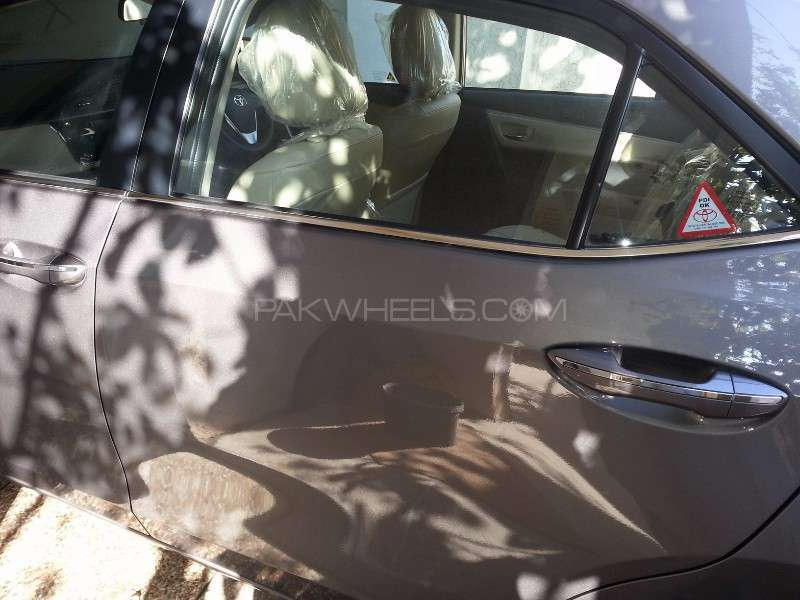 Toyota Corolla Altis Grande CVT-i 1.8 2014 Image-6