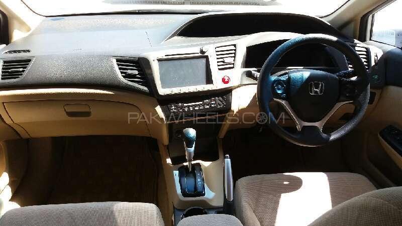 Honda Civic VTi Oriel Prosmatec 1.8 i-VTEC 2013 Image-6