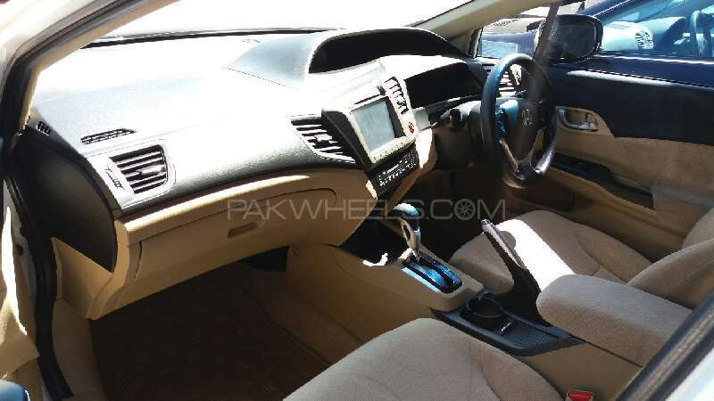 Honda Civic VTi Oriel Prosmatec 1.8 i-VTEC 2013 Image-7