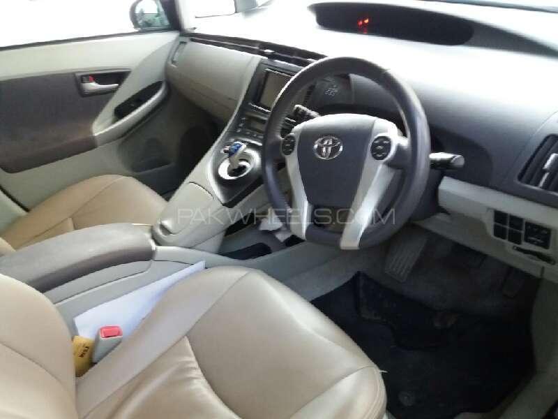Toyota Prius G 1.8 2009 Image-9